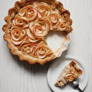 Tarta jabłkowa – Rose. Ciasto z różami