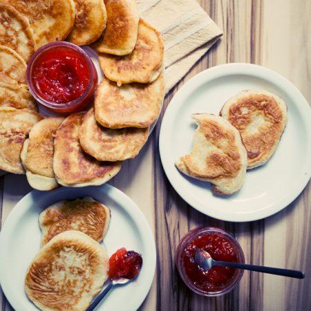 Pancakes na zsiadłym mleku