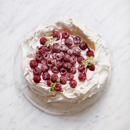 Tort bezowy Pavlova. Primabalerina wśród deserów