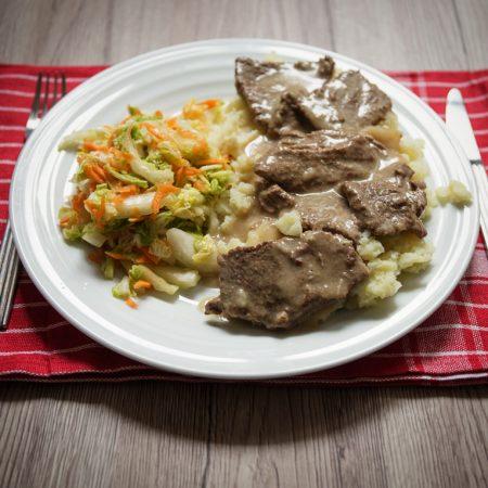 Klasyczne bitki wołowe – w sosie chrzanowym