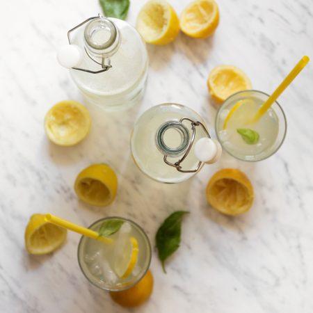 Gdy życie daje ci cytryny – rób lemoniadę! Prawdziwa lemoniada cytrynowa
