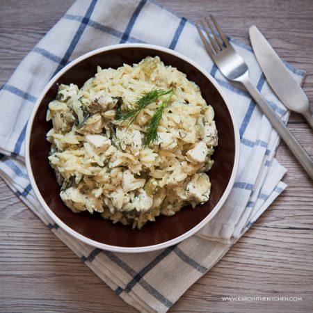 Cytrynowo-koperkowa zapiekanka z kurczakiem i makaronem orzo