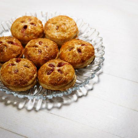 Mini-pie – bardzo kruche mini-ciasta z żurawiną i jabłkiem