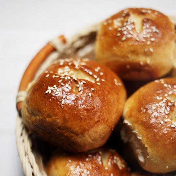 Bułki pszenne w godzinę – najszybsze domowe pieczywo