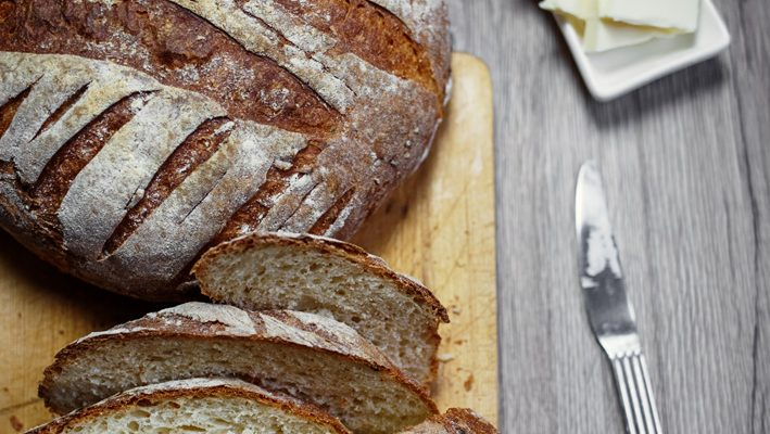 Domowy chleb pszenny. Najprostszy – bez wyrabiania
