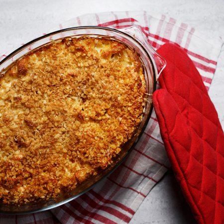 Klasyczny Mac & Cheese –makaron zapiekany z serowym beszamelem