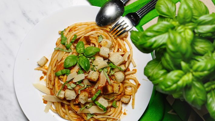Spaghetti  z tuńczykiem i pomidorami