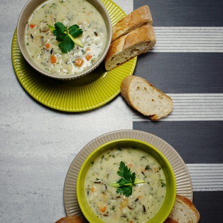 Zupa z kurczaka z dzikim ryżem i warzywami – kremowa, sycąca i zdrowa