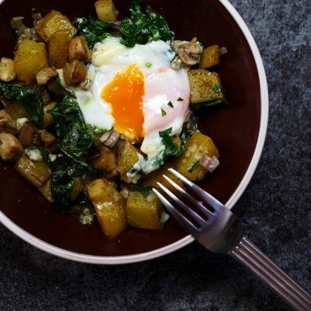 Ziemniaki, bakłażan, szpinak, pieczarki i jajka – zapieczone