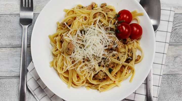 Makaron z tuńczykiem – włoski obiad w 15 minut