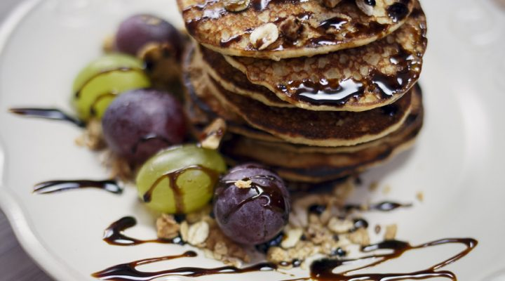 3-minutowe pancakes z blendera – bezglutenowe, wysokobiałkowe i fit!