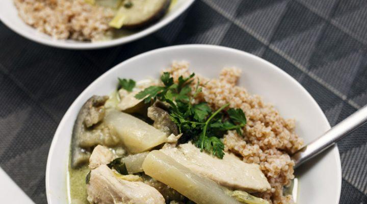 Tajskie zielone curry. Z kurczakiem i letnimi warzywami