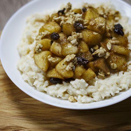 Ryż na mleku z prażonymi jabłkami