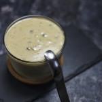 Sos z marynowanego zielonego pieprzu. Klasyczny francuski sos do steków