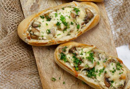 Bułki z serem i pieczarkami – niezwykłe