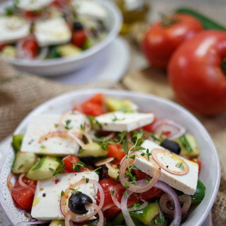 Horiatiki – oryginalna sałatka grecka