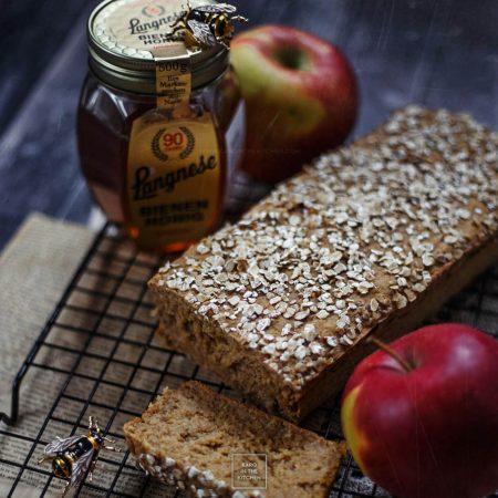 Ciasto jabłkowe z blendera – bez cukru, tłuszczu i mąki
