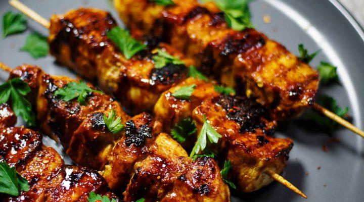 Szaszłyki z kurczaka w sosie BBQ – z patelni grillowej