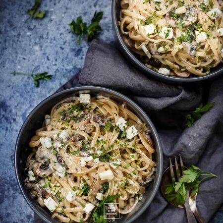 Makaron z pieczarkami i gorgonzolą – serowa uczta