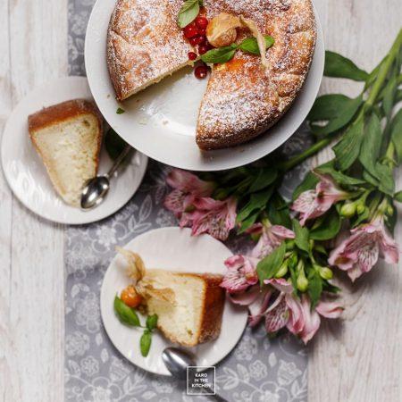 Rosyjskie ciasto smetannik – ciasto śmietanowe. Сметанник