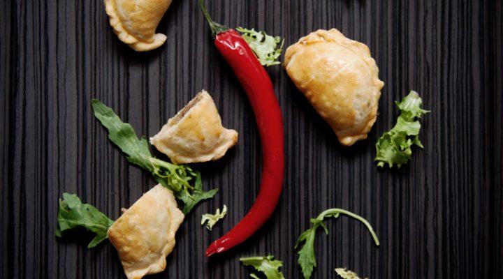 Empanadas – pieczone pierogi z indykiem i warzywami