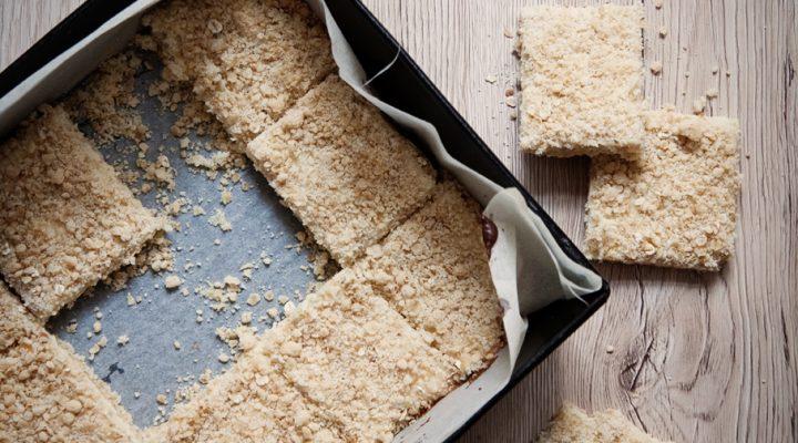 Cytrynowa kostka – owsiane ciasto z mleczno-cytrynowym kremem