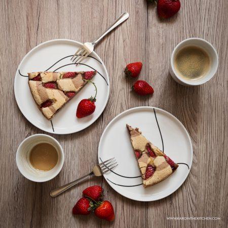 Ciasto ucierane z truskawkami i kakao. Zebra truskawkowa