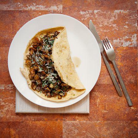 Omlet letni – ze świeżymi kurkami i ziemniakami