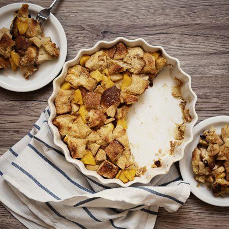 Bread and butter pudding — zapiekana chałka z owocami