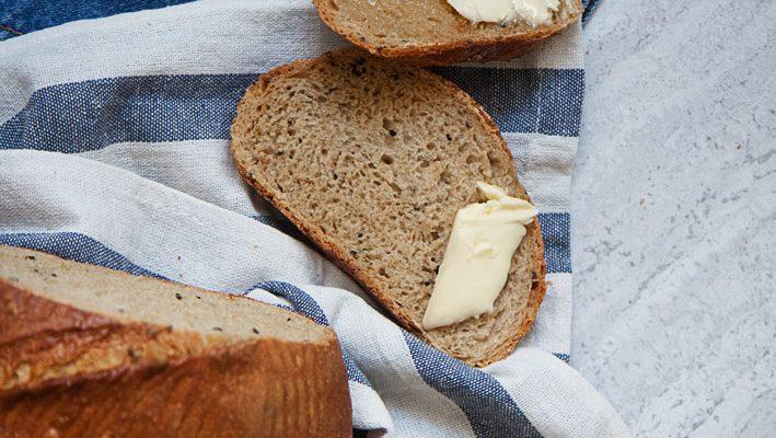 Chleb baltonowski  z czarnuszką – test chlebowej mieszanki z Polskich Młynów