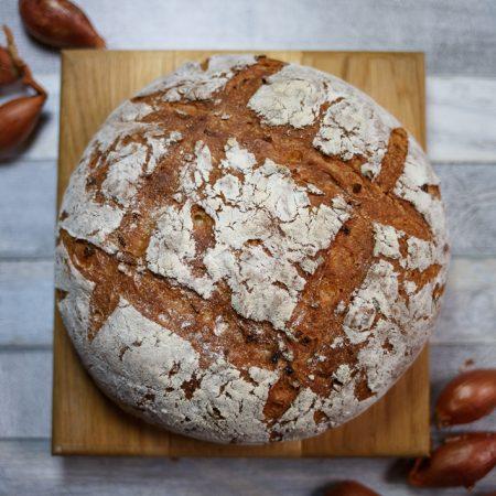 Chleb cebulowy pszenny – bez wyrabiania