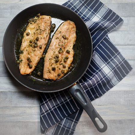 Poisson Meuniere – ryba według młynarzowej – z sosem z brązowego masła i cytryny