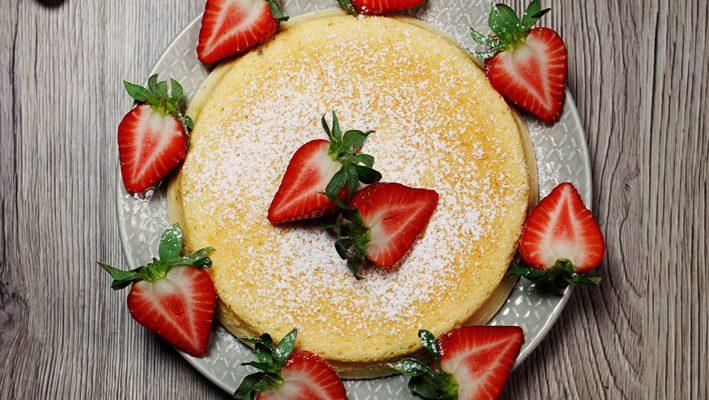 Sernik japoński – bezglutenowe ciasto z trzech składników