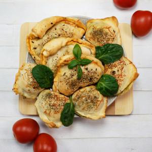 Mini calzone pikantne i lekkie – z salami i z tuńczykiem
