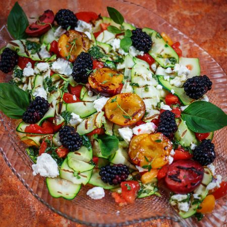Sałatka z grillowanych owoców i warzyw