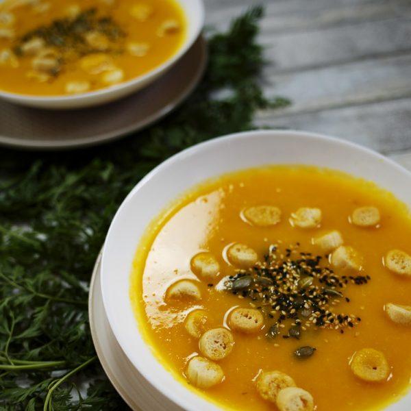 Zupa marchewkowa. Niepozorna, a z charakterem