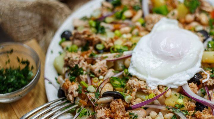 Hiszpańska sałatka z fasoli, tuńczyka i ziemniaków