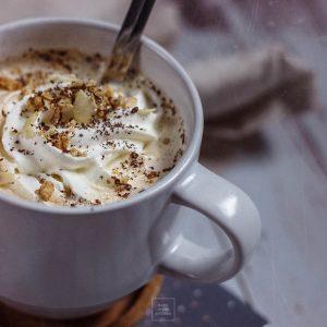 Kawowa owsianka latte – czysta rozpusta na śniadanie!