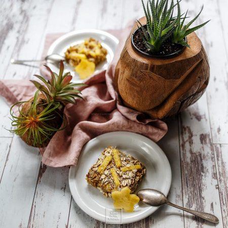 Pieczona owsianka z kokosem i ananasem- szybkie ciasto owsiane