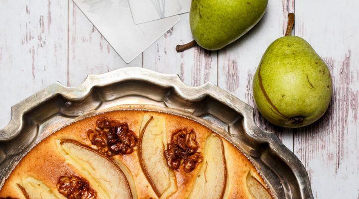 Szybkie i łatwe ciasto z gruszką i orzechami