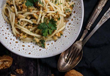Spaghetti z orzechami włoskimi – obiad w 25 minut