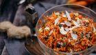 Zupa pomidorowa z makaronem orzo, szpinakiem i pesto