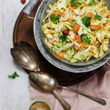 Coleslaw z młodej kapusty z sosem curry – curryslaw